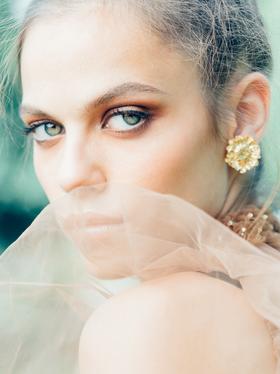 portrait-green eyes.png