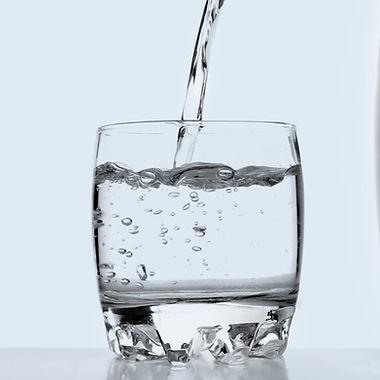 Water%20Purifier%20%26%20Glass_edited.jp