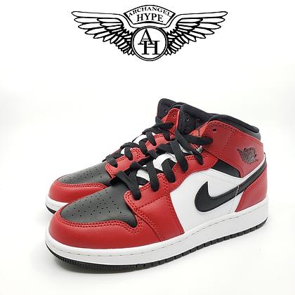 "Nike Air Jordan 1 Mid ""Chicago Toe"""