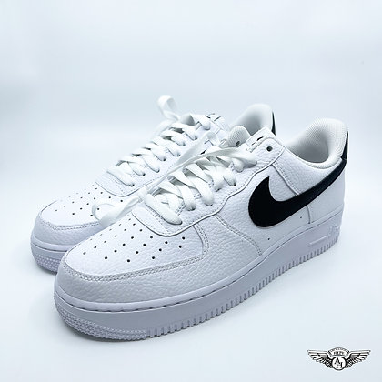 Nike Air Force 1 07 White Black Pebbled Leather