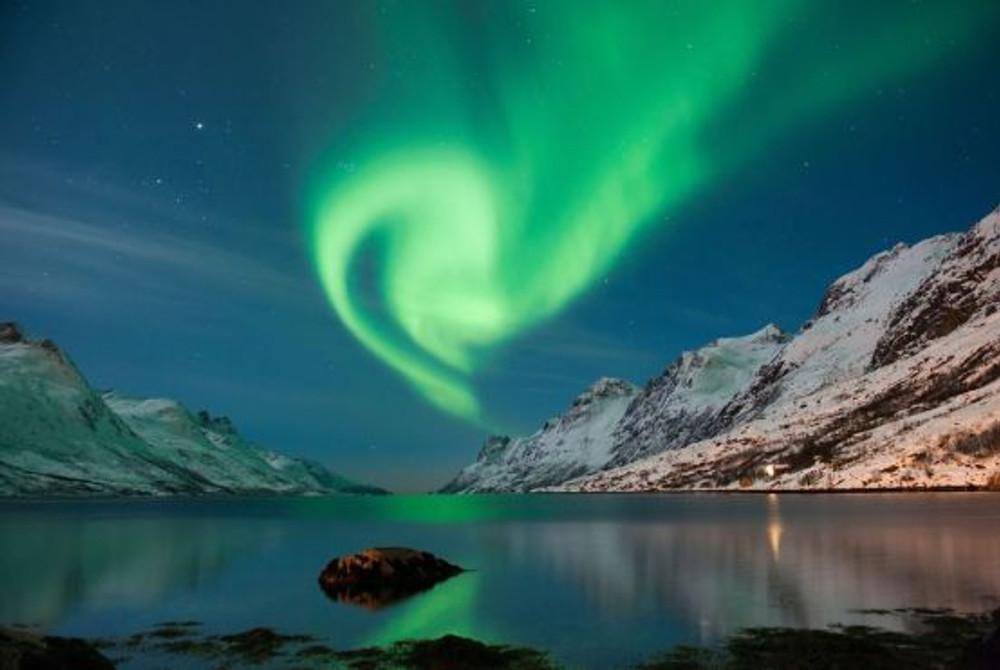 Aurora boreale scattata nelle isole Lofoten, nel Circolo Polare Artico norvegese