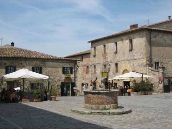 borgo-di-monteriggioni