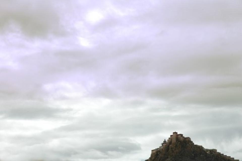 dzong1