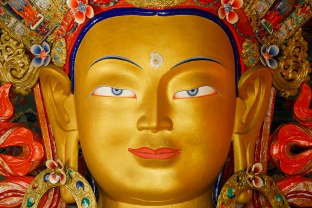 Questo Buddha NON poteva che essere inquadrato così, centralmente
