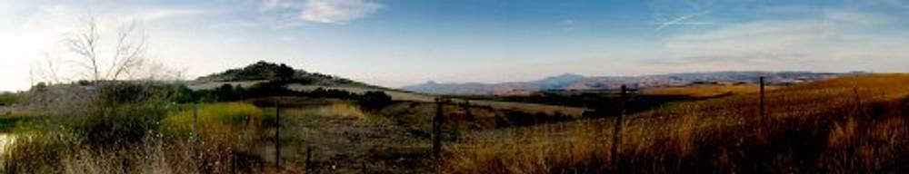 Foto panoramica della campagna della Tuscia