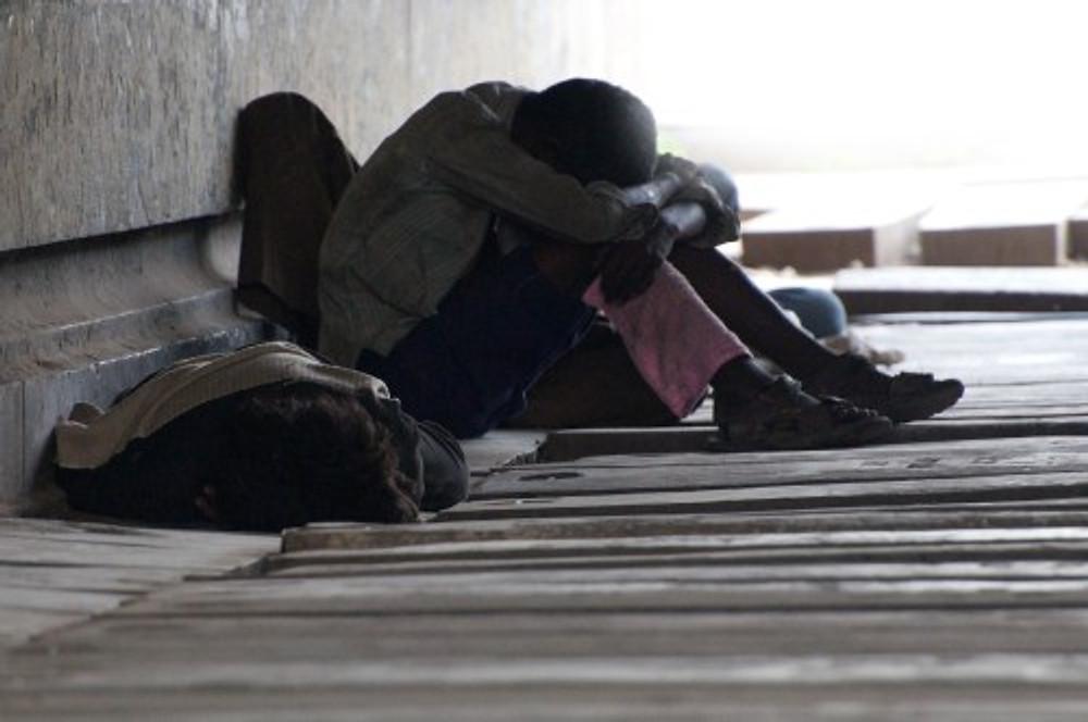 Carck Addict sotto un ponte a Delhi, la denuncia è sempre un tema che fa molta presa