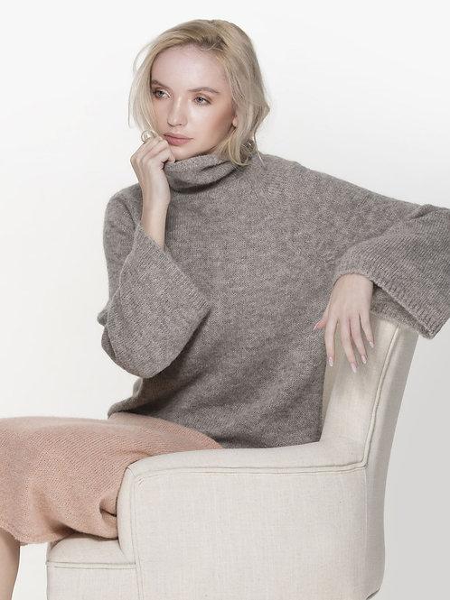 ladies light grey raglan sleeved pullover