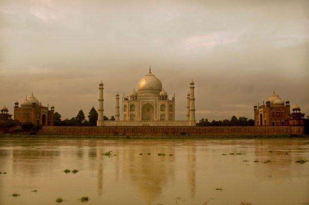 Facebook - Taj Mahal...jpg