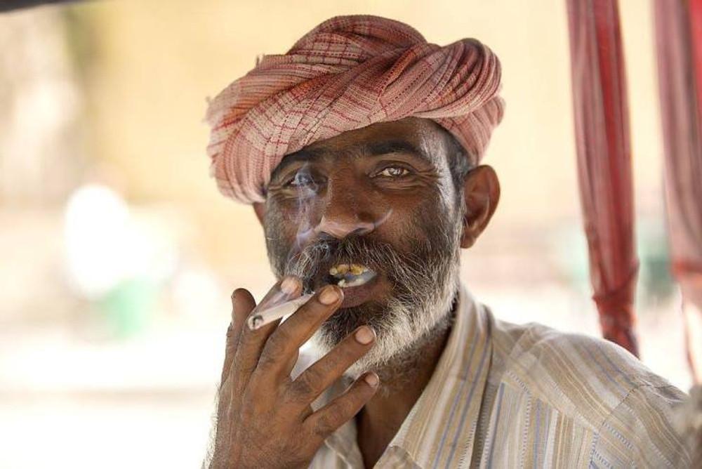 rajasthano che fuma