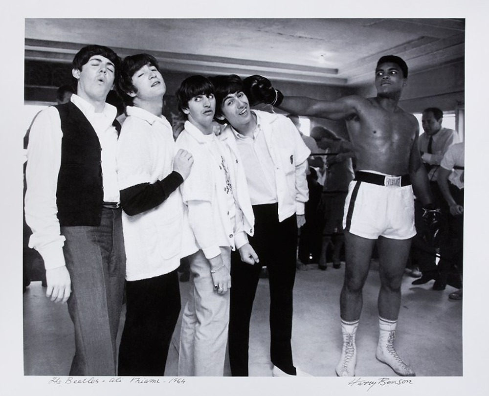 © Harry Benson - Ali + Beatles