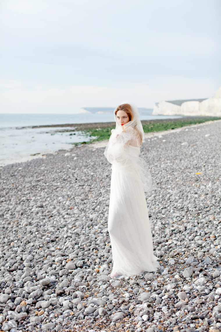 bloved-wedding-blog-bridal-corette-faux-photography-7