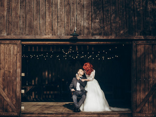 8 Spectacular Barn Wedding Decoration Ideas