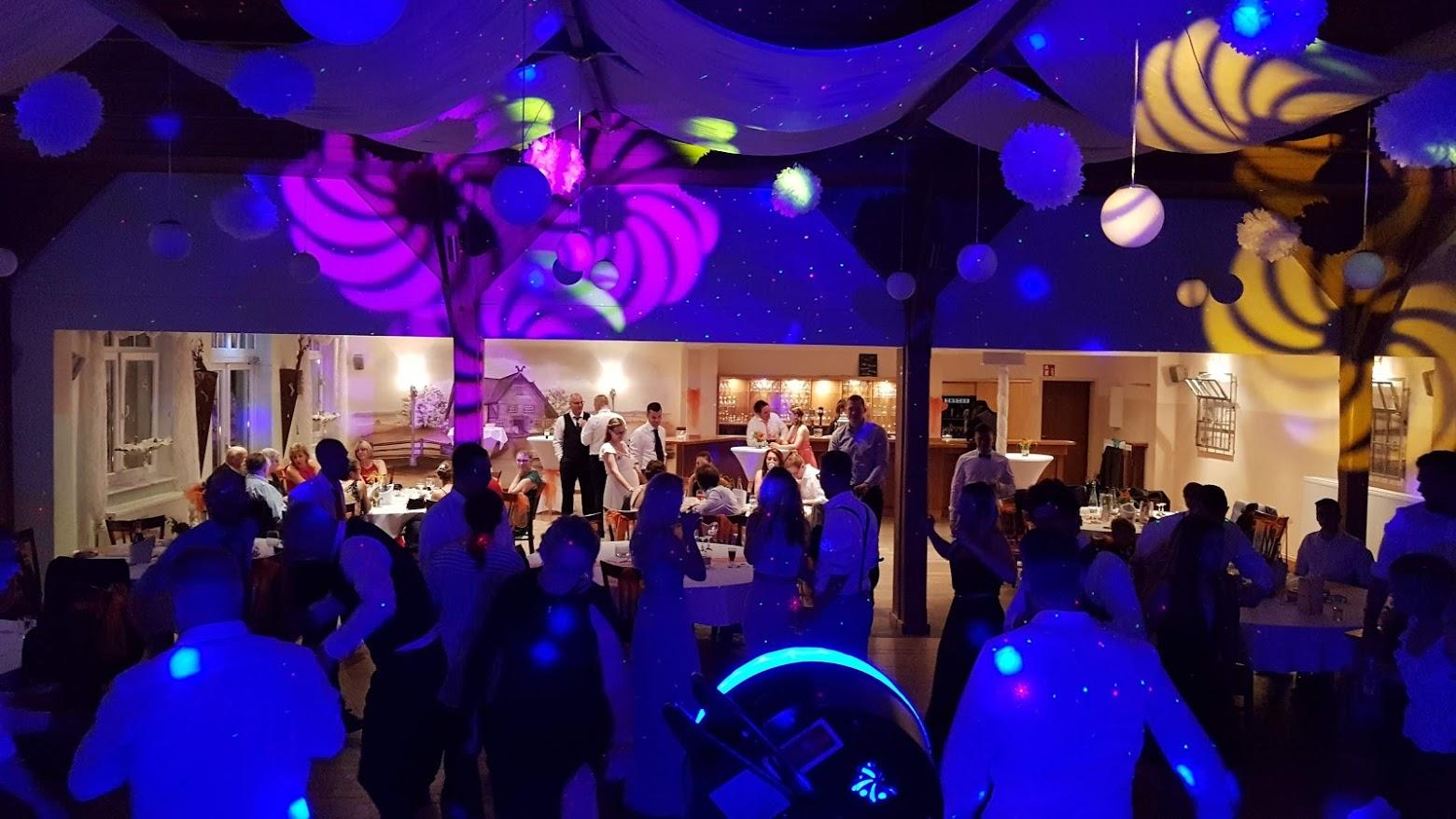 DJ Gala Licht Party