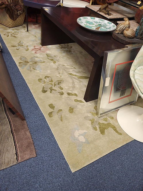 Light Green Floral Rug 9 by 6