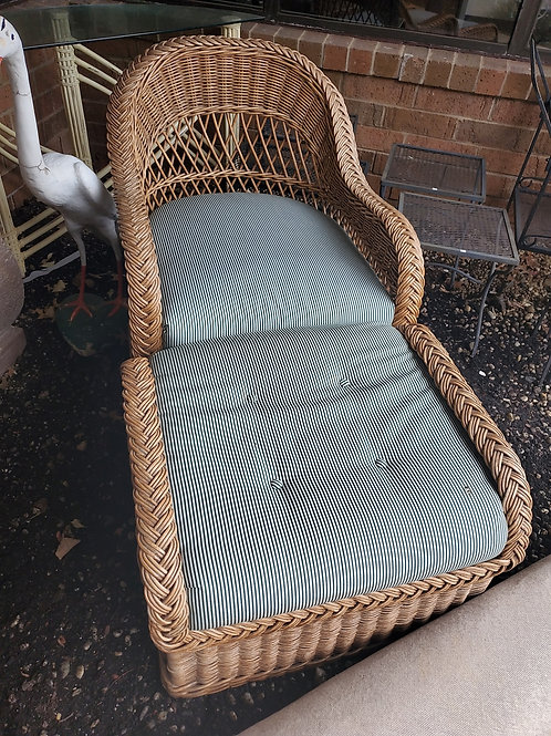 Outdoor Wicker Chair With Foot Rest
