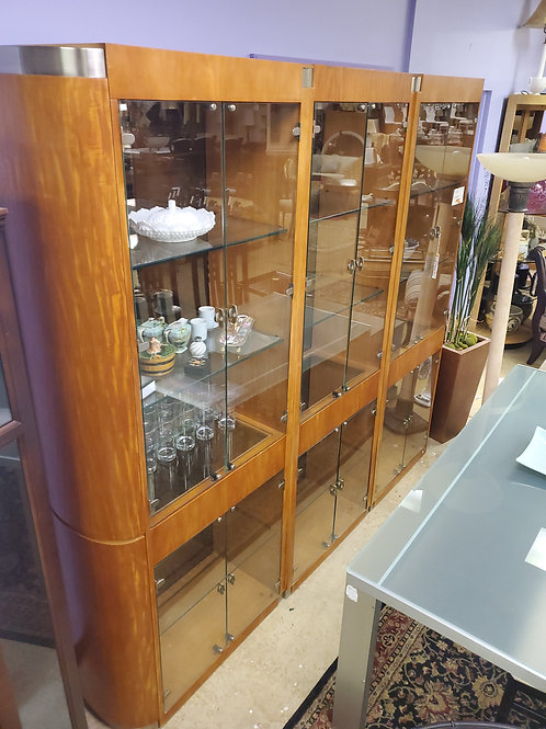 Henredon 3 Piece Glass China Cabinet With Lights
