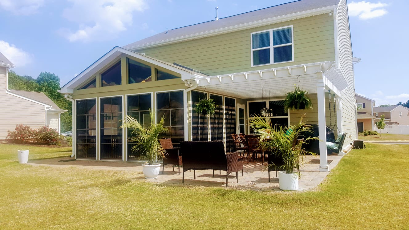 Screen Porch With Eze Breeze