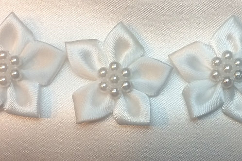 BZ Flower With Pearl Detail
