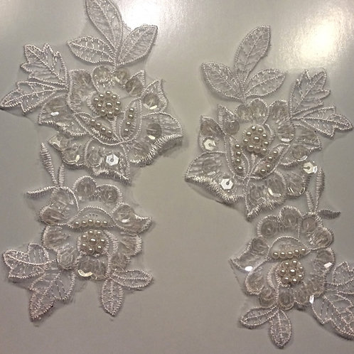 Simplicity White Floral Sequin Appliqué (01)