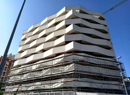 Nuevo edificio residencial mostrando su cara en Murcia