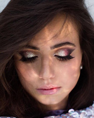 """NIGHT OUT"" GLITTER MAKEUP"