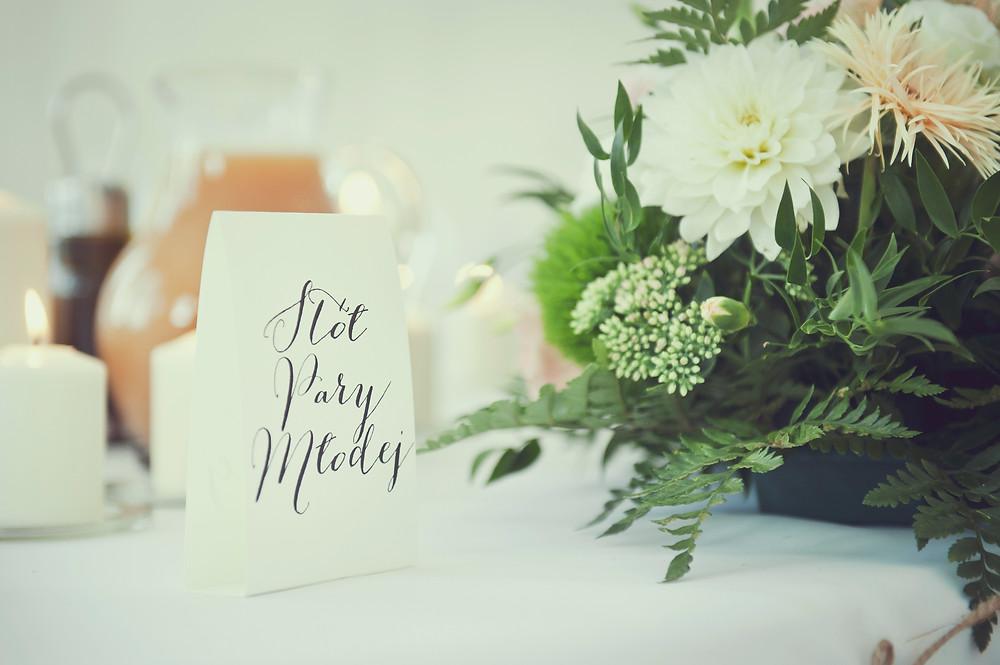 stolik pary młodej - plan rozmieszczenia gości weselnych