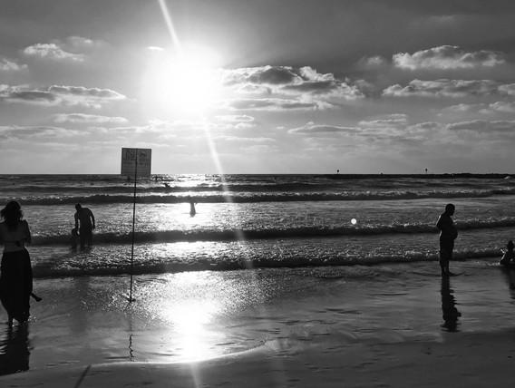 tel aviv beach sunset aug 2019.jpg