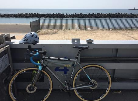 自転車に乗りましょう。