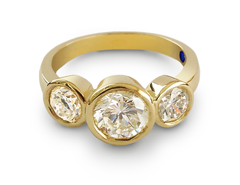 Luxury custom made engagement rings in 18k gold, palladium and platinum by Steven Anderson Jewellers
