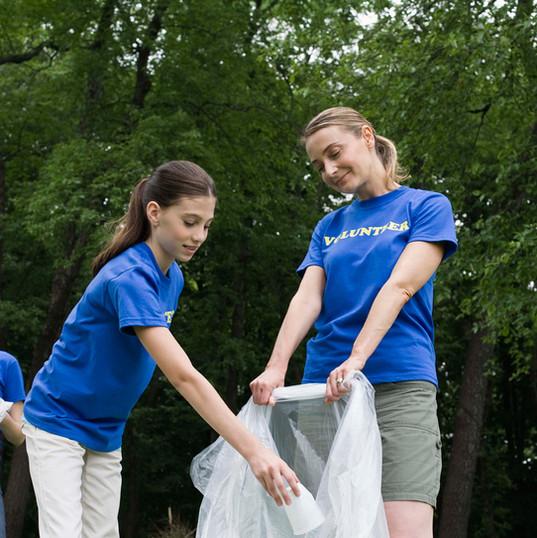 Náctiletí dobrovolníci