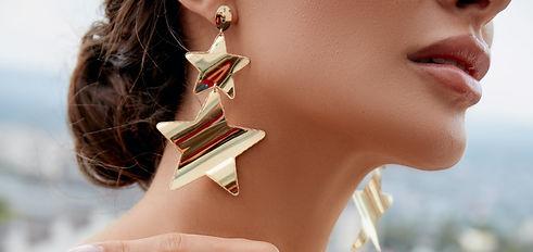earrings%20woman%20pexels_edited.jpg