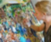 Portret Eva Maria met schilderij a kl.jp