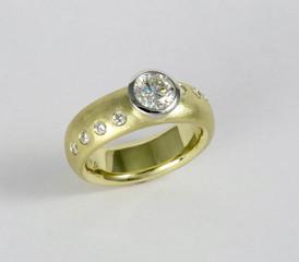 'Diamonds Crossing' Ring