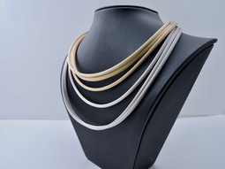 'Sleeveknit' Chains