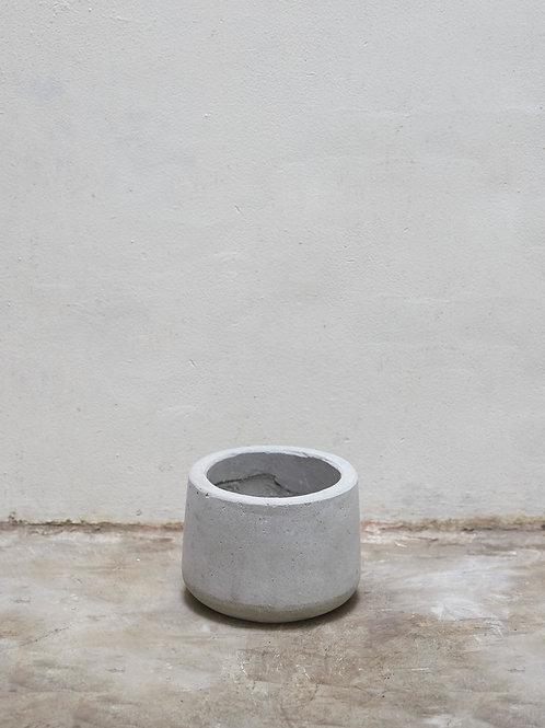 Chậu Xi Măng Bầu (D18 x H15)