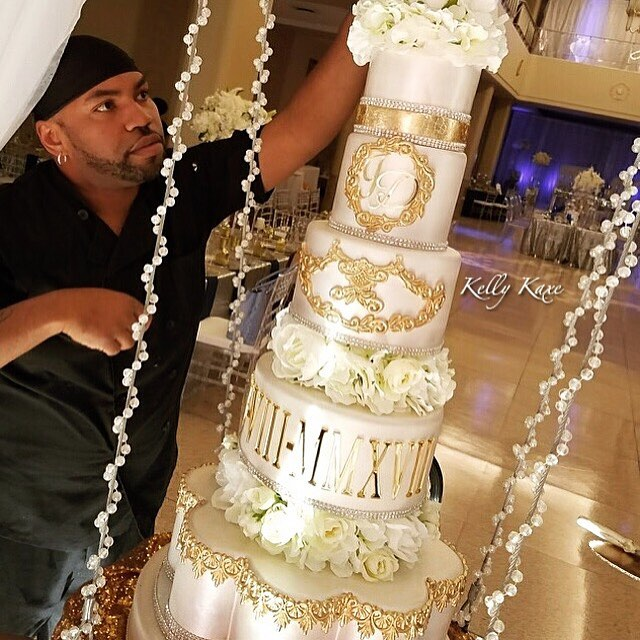 When you choose ONLY the best for your couples! Cake Wars winner _kelly_kaxe  provided a breath taki