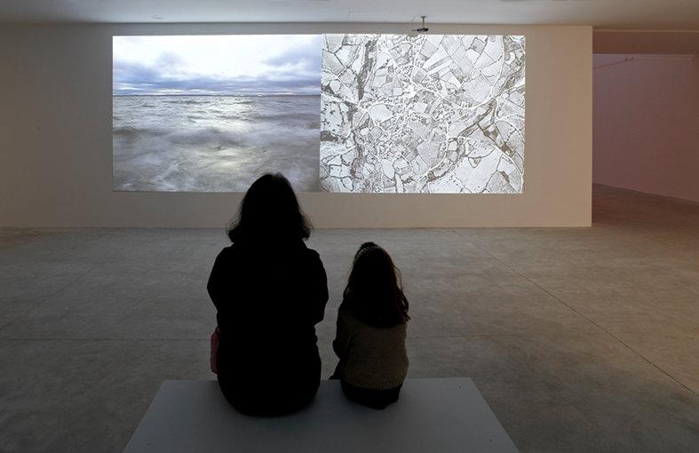 Vista exposición Paisaje cultural sumergido, Bárbara Fluxá. Centro Valey, Asturias.