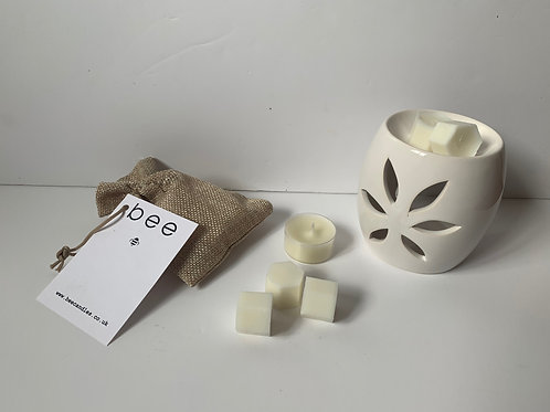 bee Burner and Melt Gift Pack (White Petal)