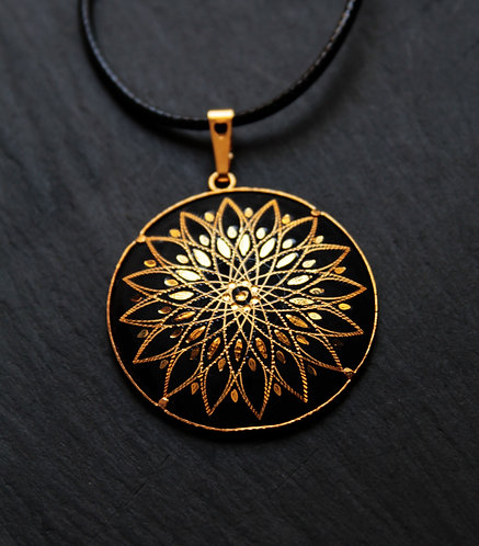 Damascene handmade pendant made of 24 kt pure gold/ Galaxy star