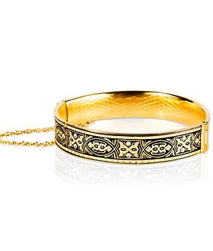 Damascene handmade bracelet made with 24 kt. pure gold / bull