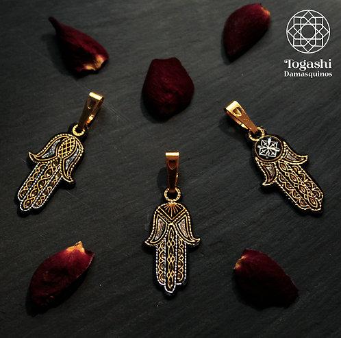 Damascene handmade pendant madeo of gold and silver / Fatima´s hand