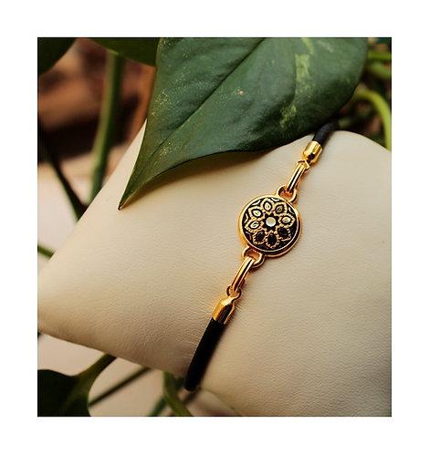 Damascene handmade bracelet made of 24 kt pure gold. Honey