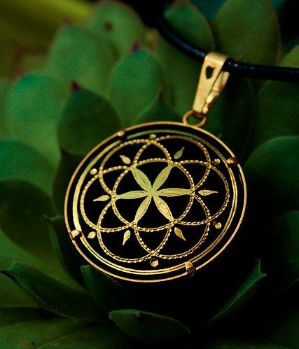 Damascene handmade pendant made with pure gold /