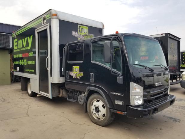 isuzu box truck.jpg