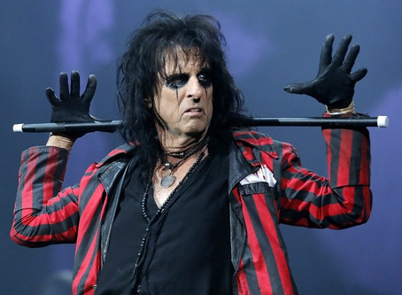 Alice Cooper Still Entertaining Audiences at 68!  Atlanta Live Show Review