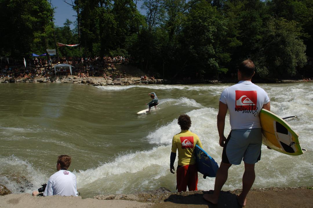 simonhirter.com_events_surfing.JPG