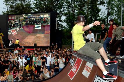 simonhirter.com_events_skating.jpg