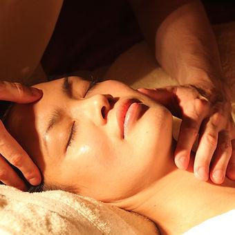 massage-1929064_1920.jpg