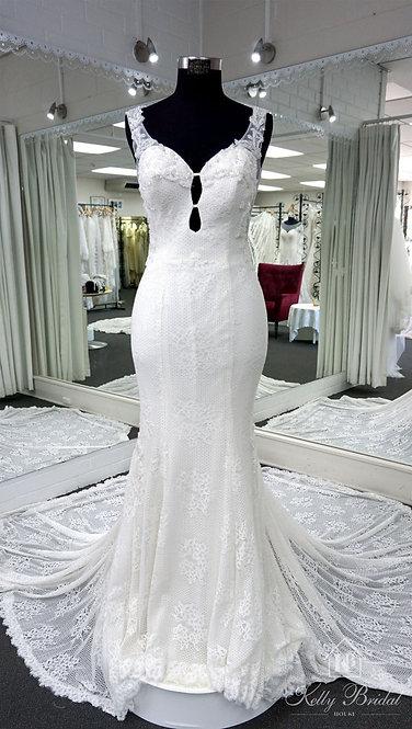 Marilyn Mermaid Style Wedding Gown