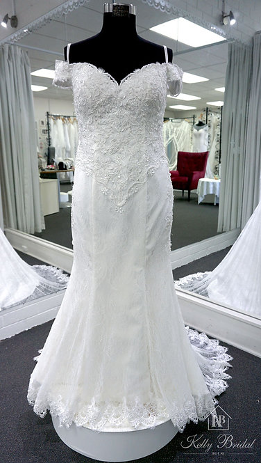 Melina Mermaid Style Wedding Gown